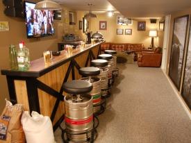 DMCV610_beer-bar-keg-stools_s4x3_lg